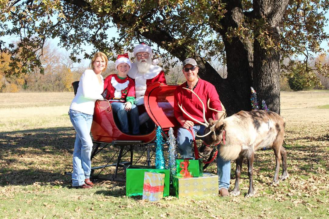 reindeer rental, real reindeer, Christmas reindeer, reindeer for rent, party reindeer, santa for hire, Dallas, Fort Worth, Arlington, Richardson, Plano, Allen, McKinney, Frisco, Southlake, Irving, Grapevine, Garland